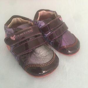 Agatha Ruiz De La Prada velcro leather baby shoes